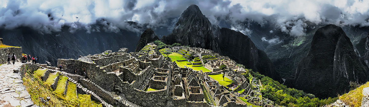 Peru Expeditions Tours: Trekking Inca Trail to Machu Picchu (Huayna Picchu 2.667 m), with Climb for Conservation