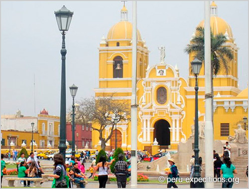 Peru: Travel packages, tours Archeology, Moche, Chiclayo, Trujillo, archeology, hiking beaches, sand, Chachan, Sipan, Tucume, Huaca Sol, Huaca Luna, Huaca el Brujo