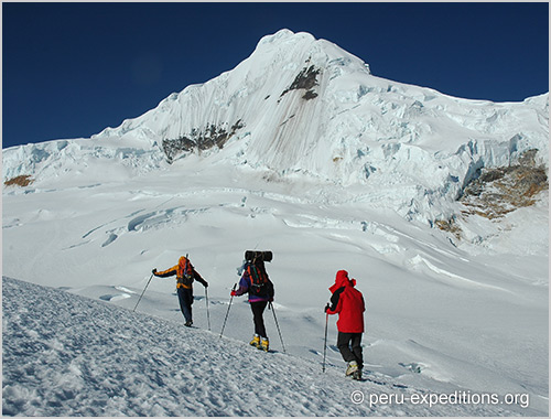 Peru: Expedition Nevados Urus (5495m), Ishinca (5530m) and Tocllaraju (6034m)-&-Huascaran (6768 m)